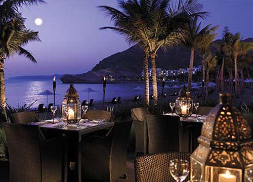 浪漫海岛的烛光餐