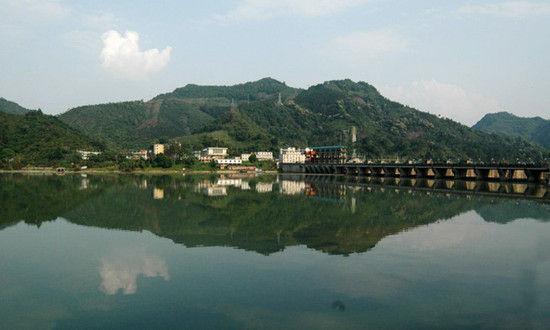 新浪河北旅游配图:驼梁山风景区