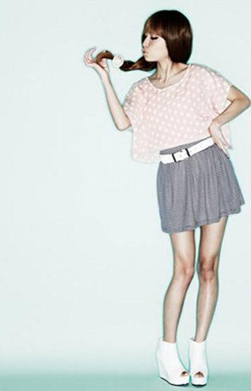 清新感特强的条纹短裙