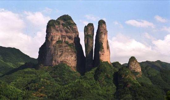 江郎山 唐人笔/摄 (新浪河北旅游配图)