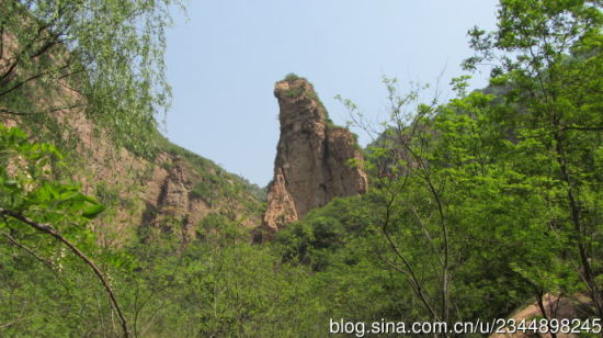 新浪河北旅游配图:神鹰崖 大漠孤烟/摄