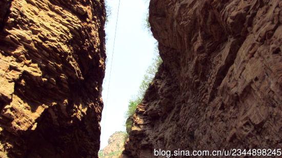 新浪河北旅游配图:峡谷幽深 大漠孤烟/摄