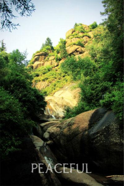 新浪河北旅游配图:奇异的石头 摄:闫静peaceful