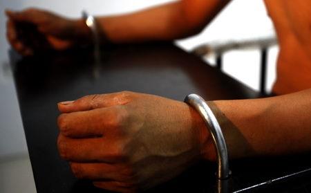 ■拐卖儿童案犯罪嫌疑人接受警方讯问