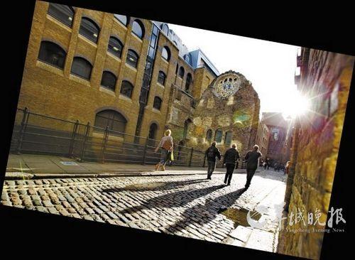 利用废旧港口码头和古老仓库改造的伦敦南岸艺术区