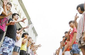 ■李亚晟很注意培养学生的团队意识。