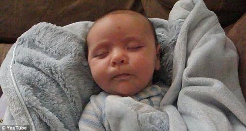 一段可爱宝宝的视频在网络走红