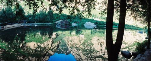 清澈的湖光美景