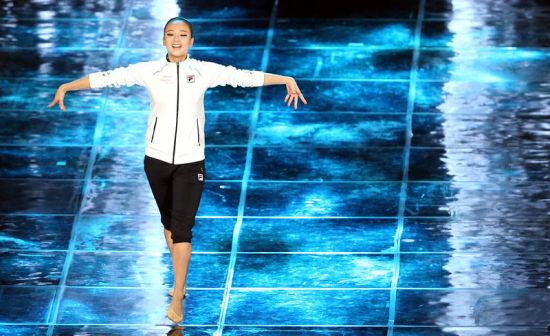 图文:韩体坛第一美女大跳江南Style