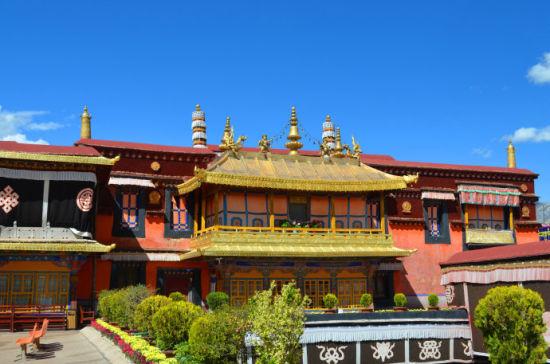 大昭寺  第二天清晨,我们的计划是参观布达拉宫和大昭寺....