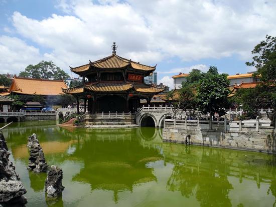 圆通寺  圆通寺,是云南省和昆明市佛教协会的所在地,位于昆...