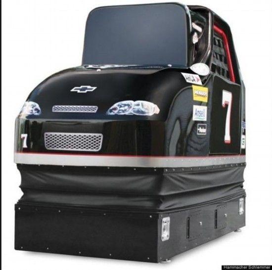 静态赛车模拟器,价格6万美元
