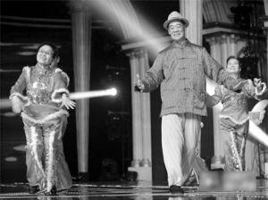 俊成和他的翟式秧歌舞-邢台翟式秧歌扭进中国梦想秀 周立波模仿笑