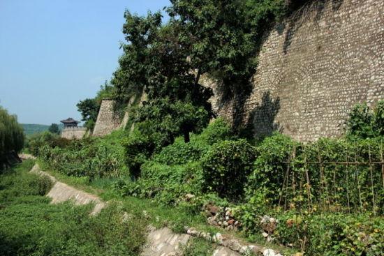 古老的城墙诉说着无言的历史