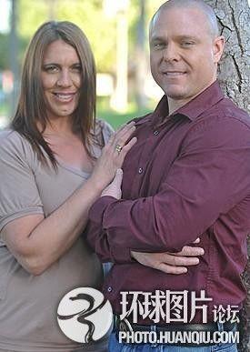 美国情侣与5千人发生性关系助他人解决性问题