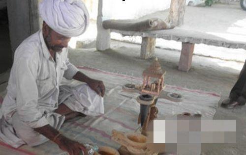当地人会准备鸦片饮料来欢迎来到村子参加仪式的游客
