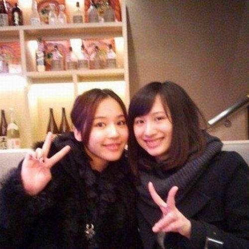 马景涛嫩妻私房照清新可人与前妻女儿似姐妹
