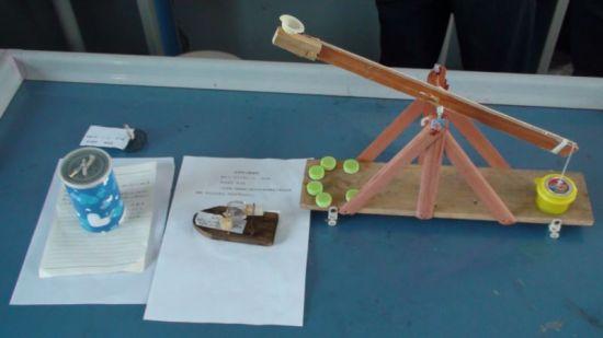 区初中学生物理小制作和初中物理教师自制实验教具评