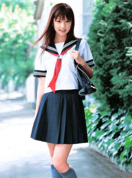 日本校服_揭秘日本女生校服为什么是水手服_新浪河北旅游_新浪河北