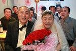 北京两名老年男同性恋着完婚