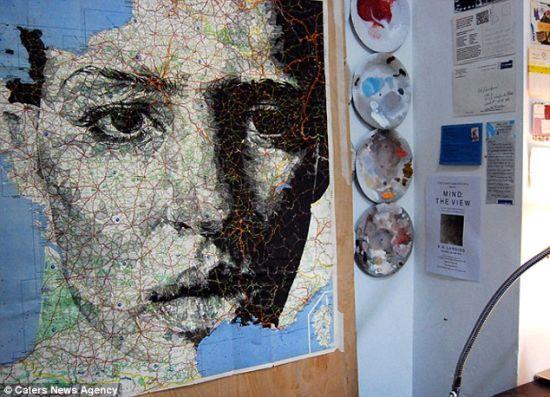 艺术家借助地图画人脸肖像