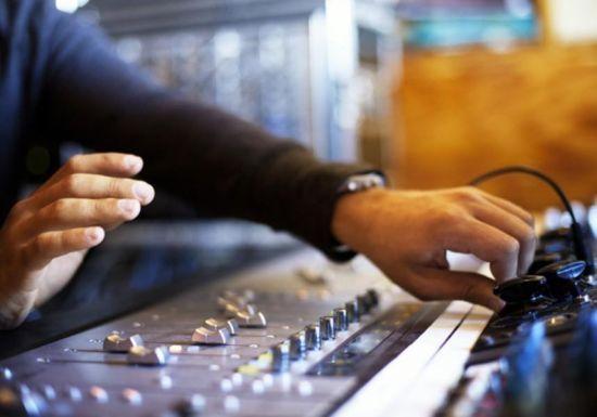 年薪百万美金的12份音乐工作