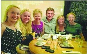 克莉丝汀与她的5名亲生子女
