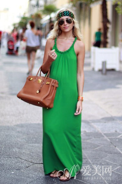 绿色裙子搭配外套