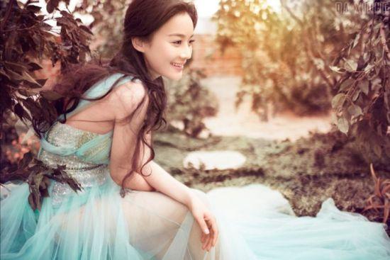 袁珊珊博客晒透视装唯美身姿展现爱在春天