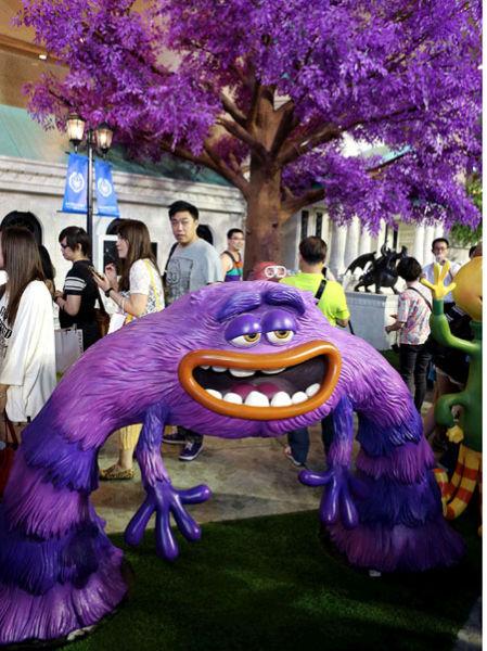 """迪士尼""""怪獸""""登陸香港深受影迷熱捧"""