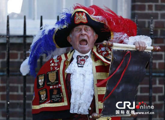 英國凱特王妃順利誕下男嬰民眾熱烈慶祝