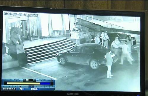河南安阳袭警_河南安阳发生袭警事件 20人围殴4名执法者(图)
