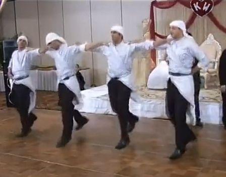 沙特男子街头快闪跳舞高清视频曝光