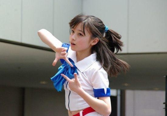 日本14岁清纯萝莉走红网络