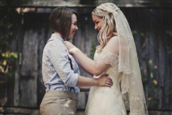 美女同性恋网晒幸福结婚照走红