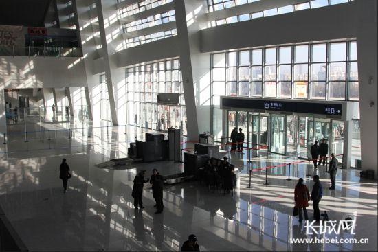 唐山新火车站内部环境