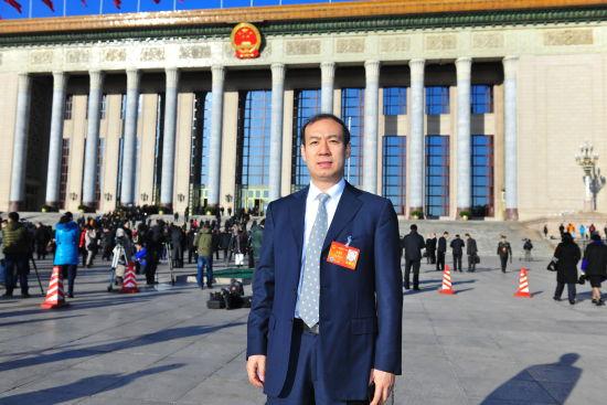 李连贵:推进产业结构调整
