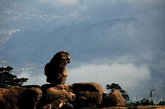 猴子观海位于黄山风景区北海景区
