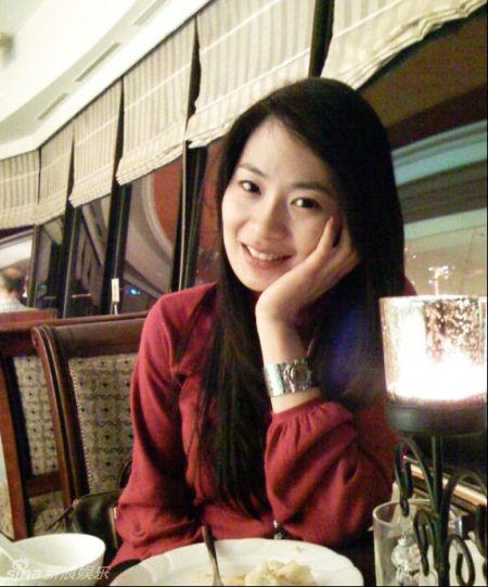 景德镇女主持陈艳_盘点央视财经频道的女主持人(组图)_新浪河北新闻_新浪河北