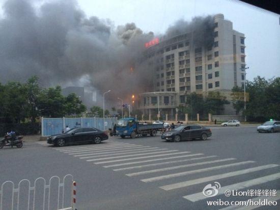武汉地质调查中心突发大火