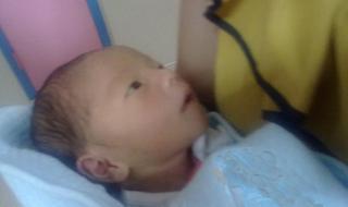 保定男婴患多种疾病遭遗弃 爱心救助牵动全城