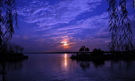 十一精品游:衡水湖