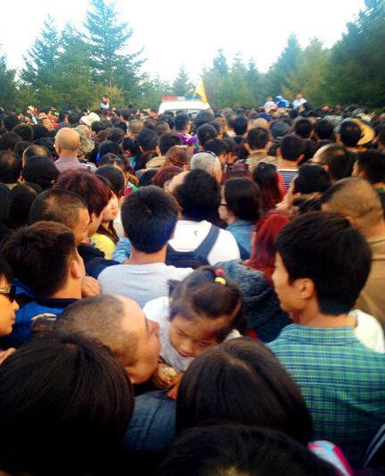 白石山景区游客爆满
