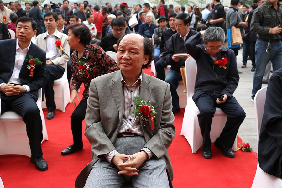 河北省政协常委、河北省美术家协会副主席汉风
