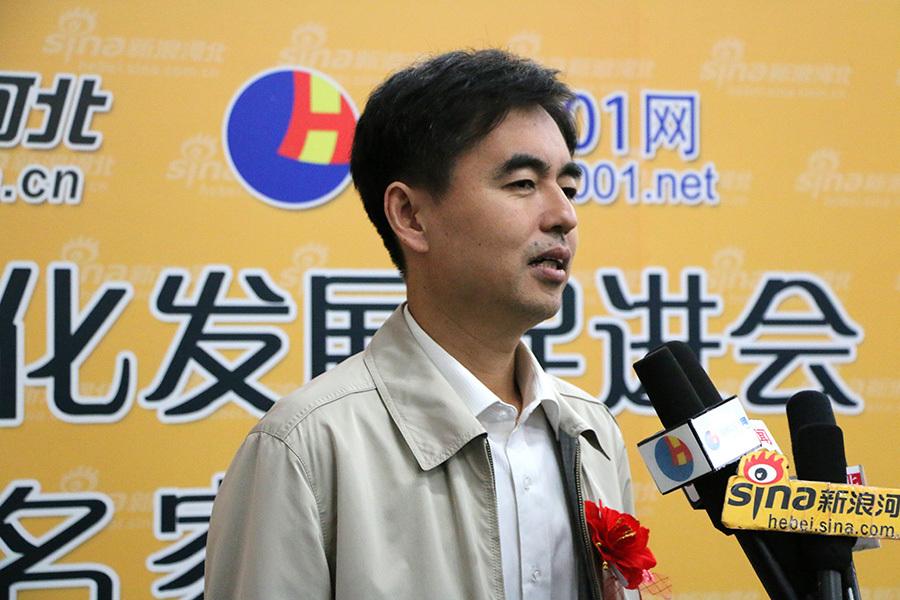 河北省书法家协会副秘书长、河北省书画艺术研究院副院长范修学接受采访