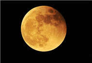 红月亮现身天宇