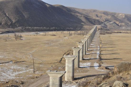 已竣工东漠河湾子特大桥。