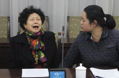 河北亿元贪官亲属开发布会 专家称或构成犯罪
