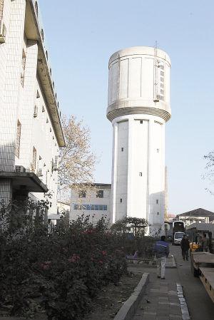 ■铁路大厂的水塔曾被誉为石家庄的原点。