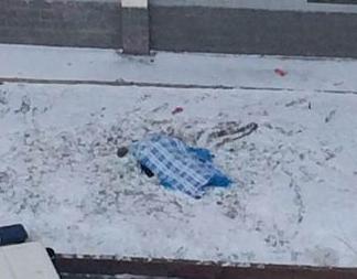 新疆大四女生校园内跳楼自杀 疑患精神疾病